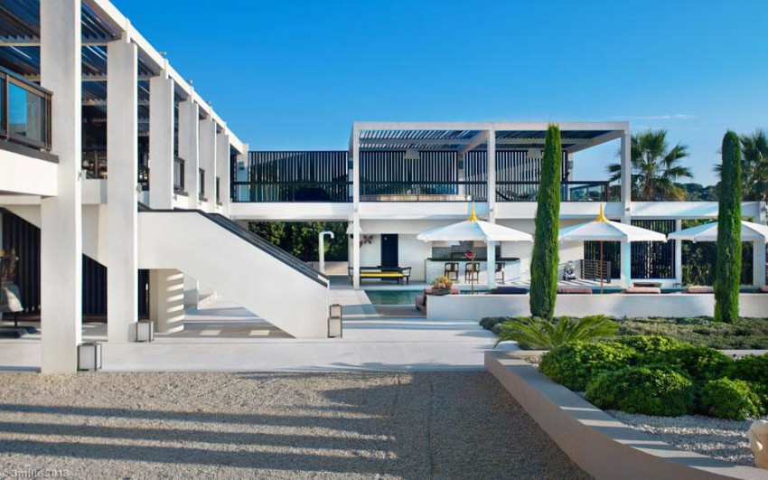 Luxury Modern Villa On Cap DAntibes 06 850x531