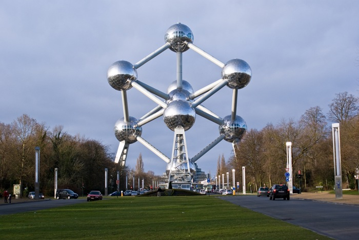 07-33-Worlds-Top-Strangest-Buildings-atomium