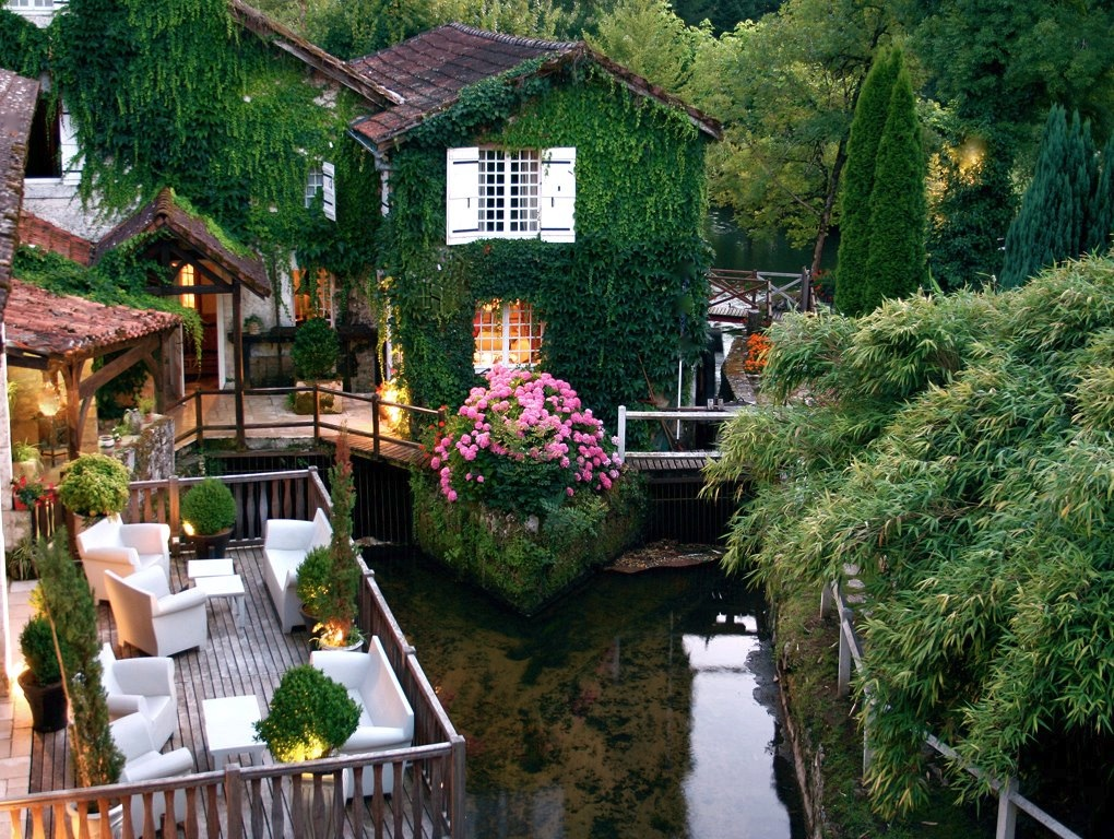 1-Le-Moulin-Du-Roc-Hotel-France