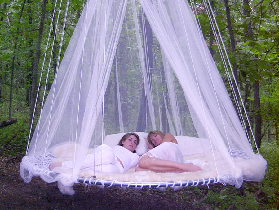 11-mosquito-net-outdoor-bed