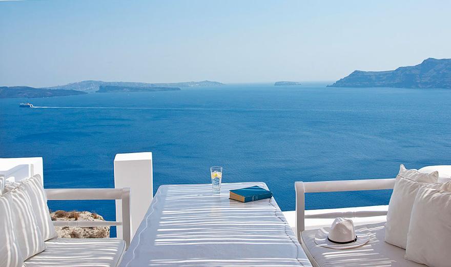 12 Katikies Hotel-Oia, Greece-01
