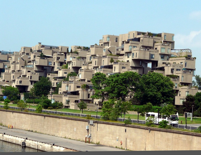 13-33-Worlds-Top-Strangest-Buildings-habitat67