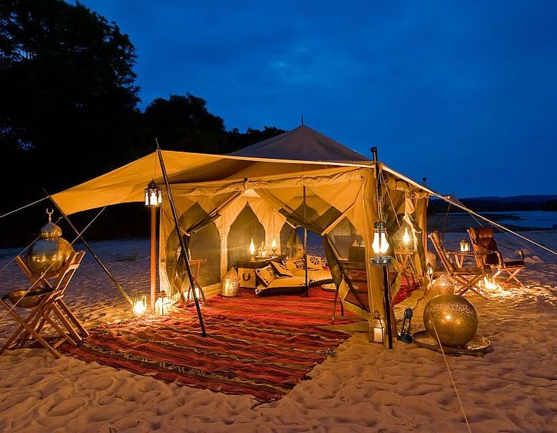 14-traditional-bedouin-beach-tent-with-lanterns-and-outdoor-dining