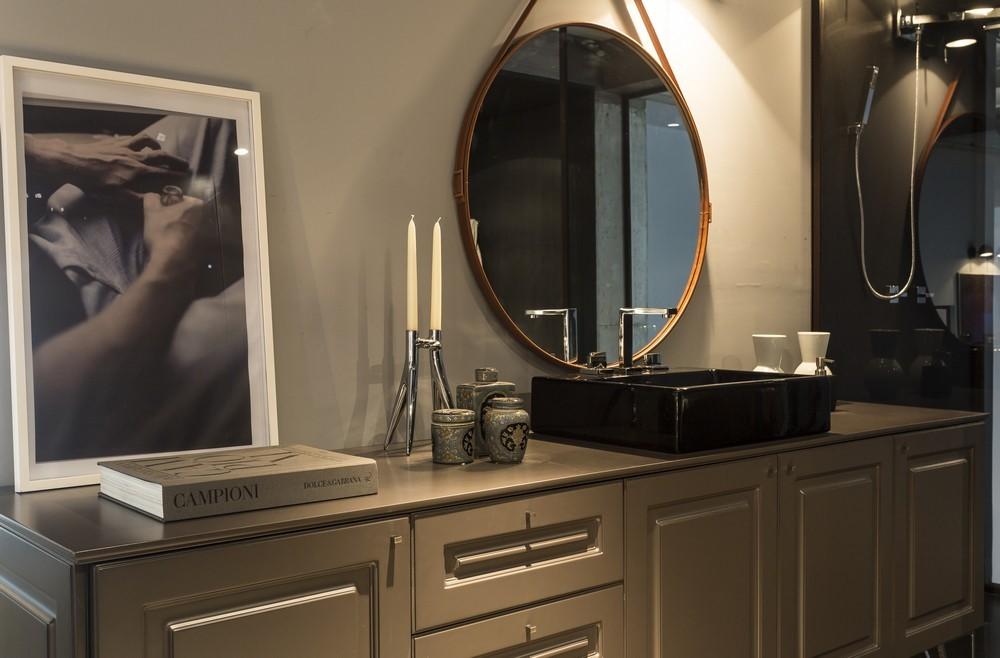 15-decorated-vanity-bathroom