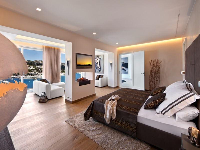 15 beautiful mesmerizing bedroom designs. Black Bedroom Furniture Sets. Home Design Ideas
