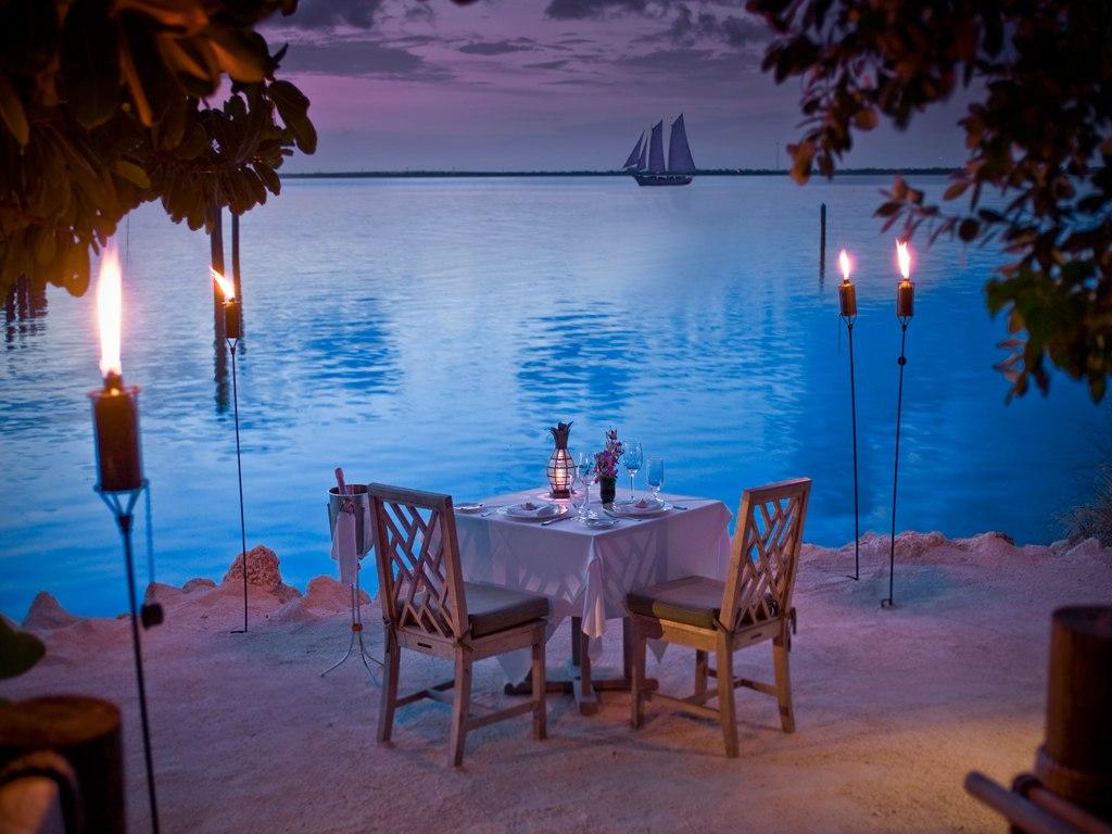 17-torch-lit-beach-dinner-with-ocean-views