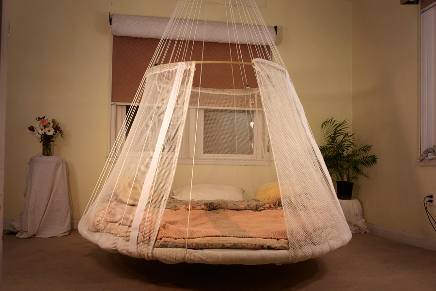 2-unusual-bed