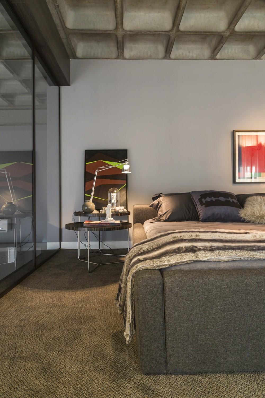 20-bedroom-detail