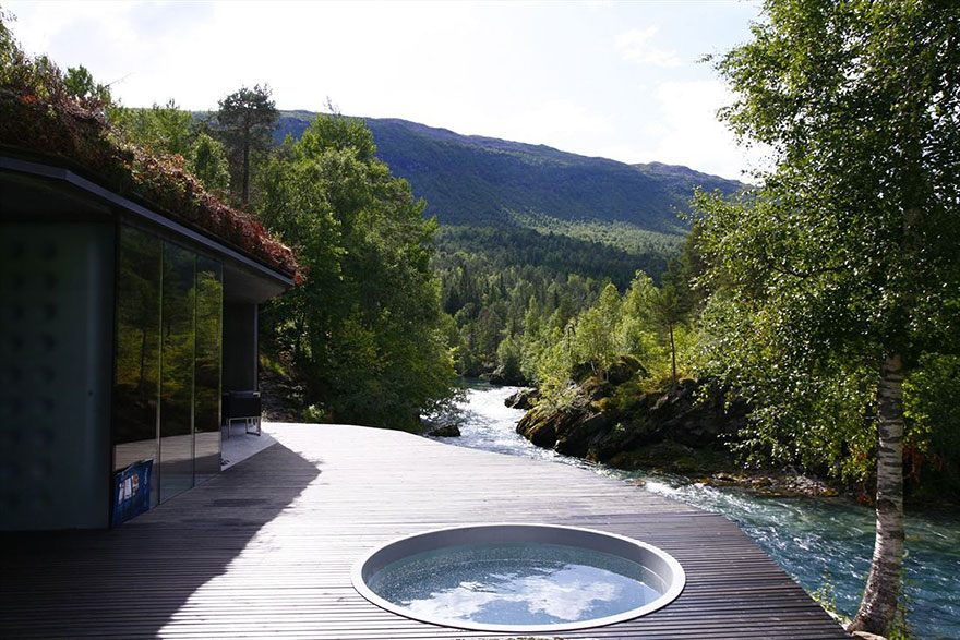 22 Juvet Landscape Resort, Norway-02