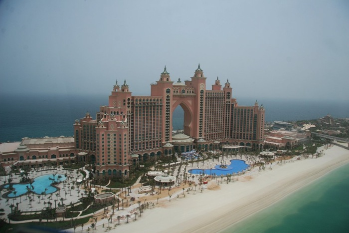 27-33-Worlds-Top-Strangest-Buildings-atlantis-dubai