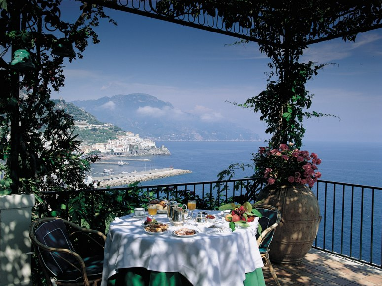 29-brunch-in-dappled-sunlight-on-terrace-with-coastal-views