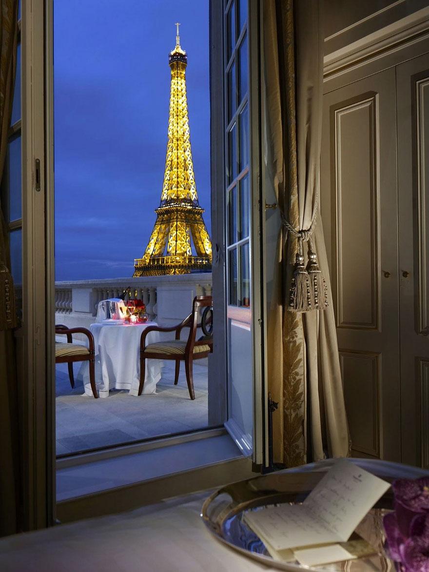 6 Shangri La, Paris