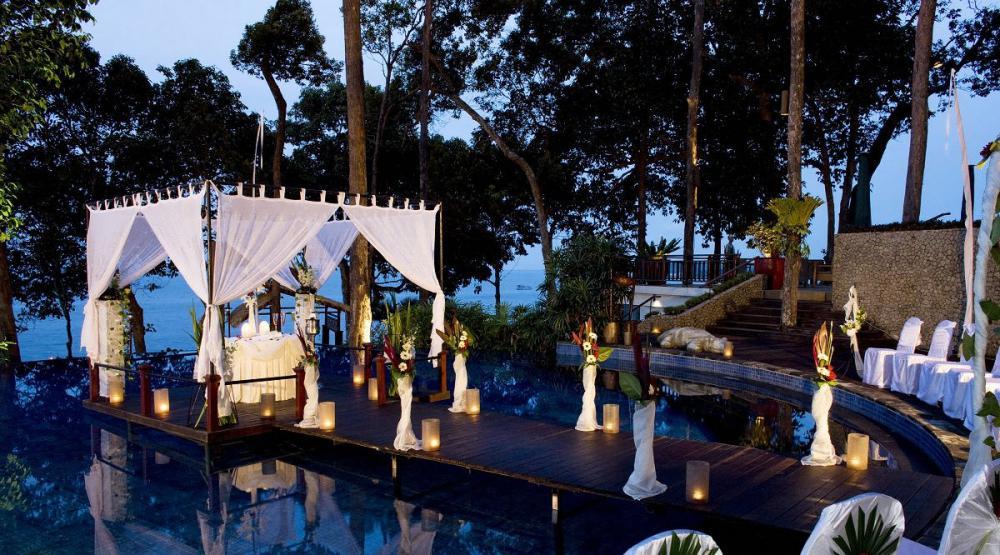 6-romantic-over-pool-floating-dining-in-white-gazebo