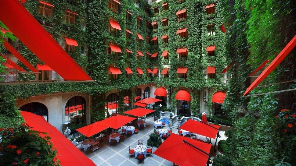 7-Hôtel-Plaza-Athénée-France