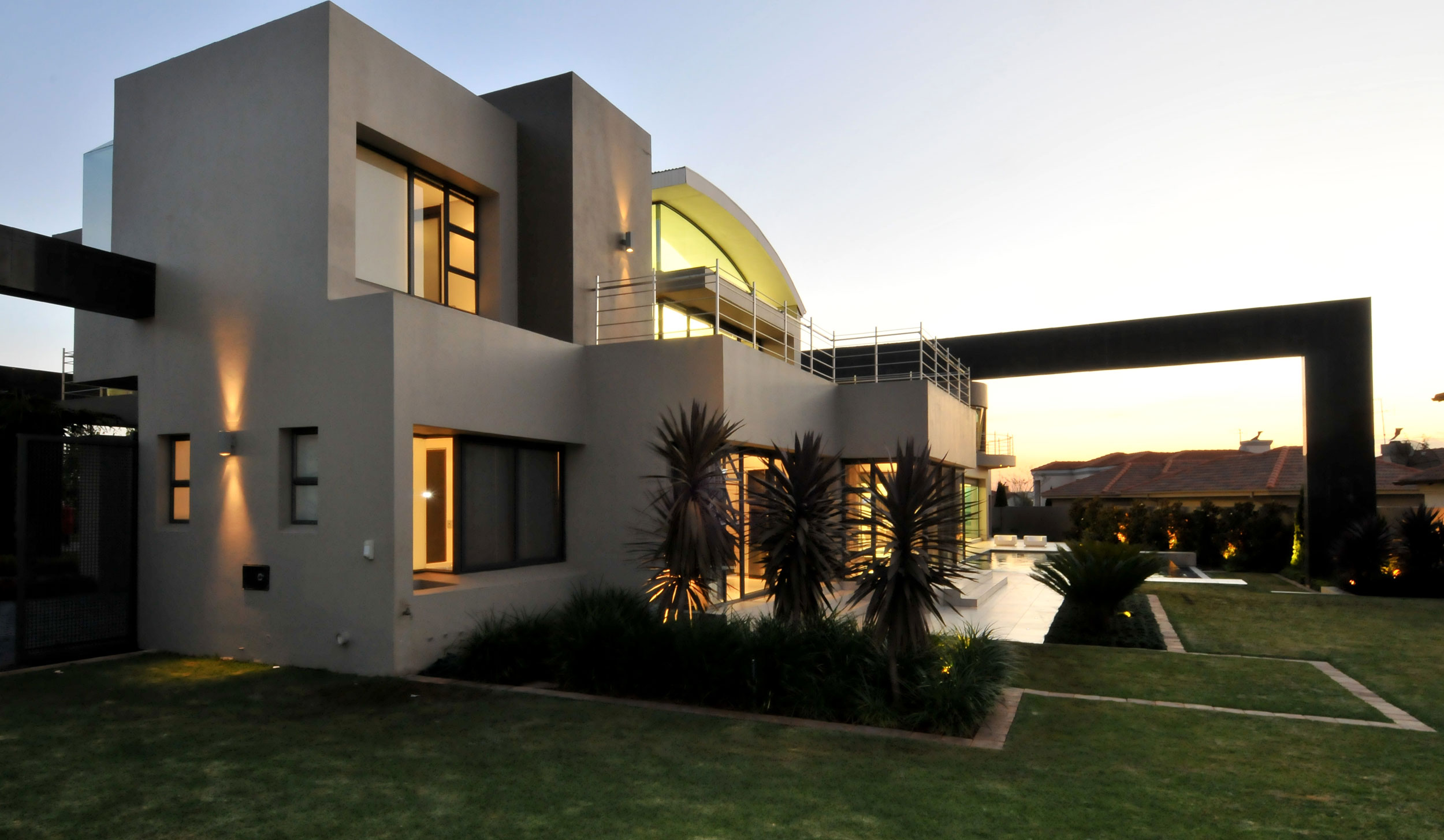 Cal kempton park by nico van der meulen architecture for African house designs