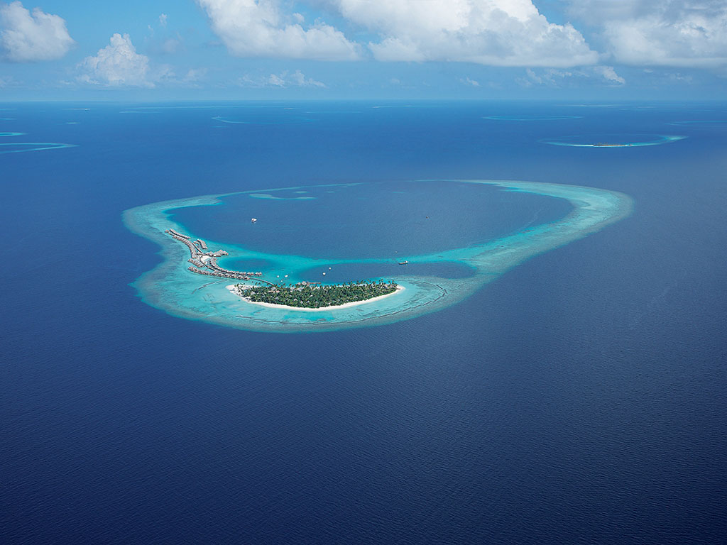 Constance-Halaveli-Maldives-Resort-01