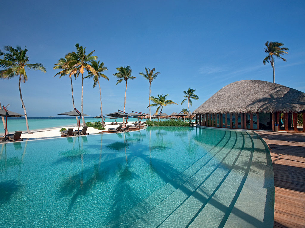Constance-Halaveli-Maldives-Resort-08