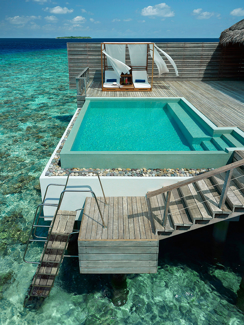 Dusit-Thani-Maldives-08