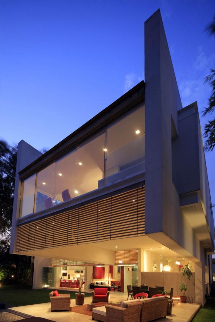 Godoy-House-03-6-735x1100