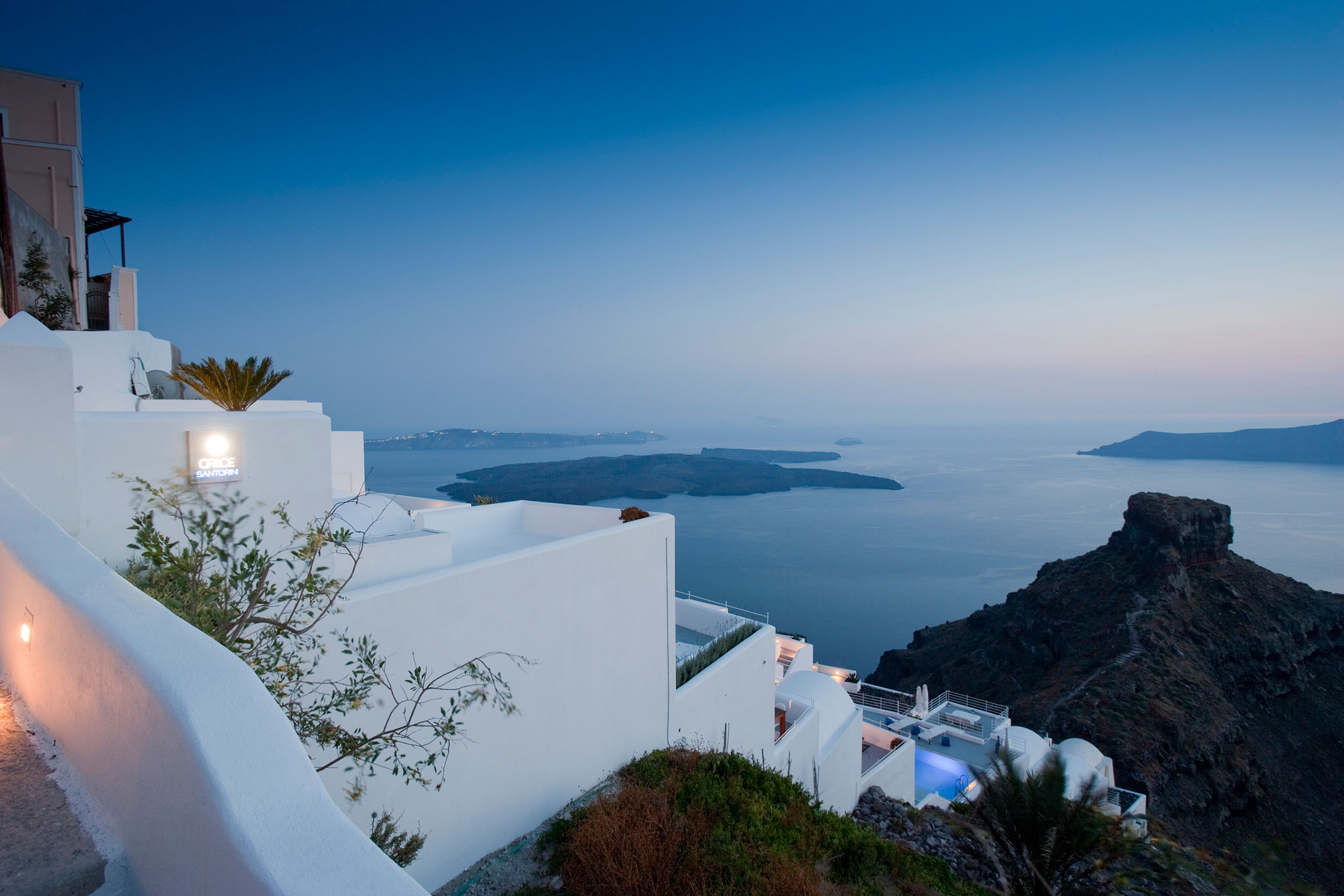 Grace-Santorini-Hotel-00-2