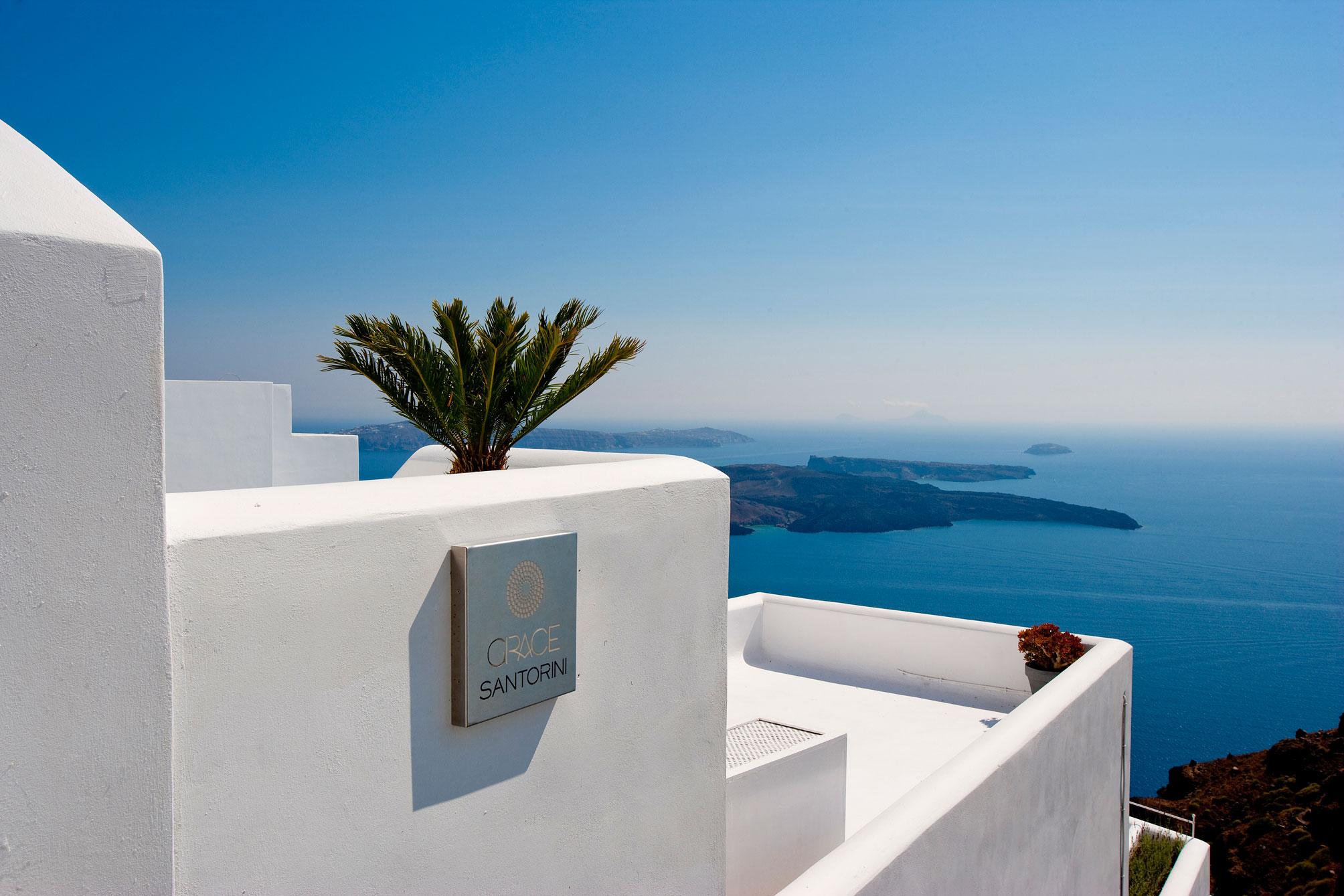 Grace-Santorini-Hotel-00-3