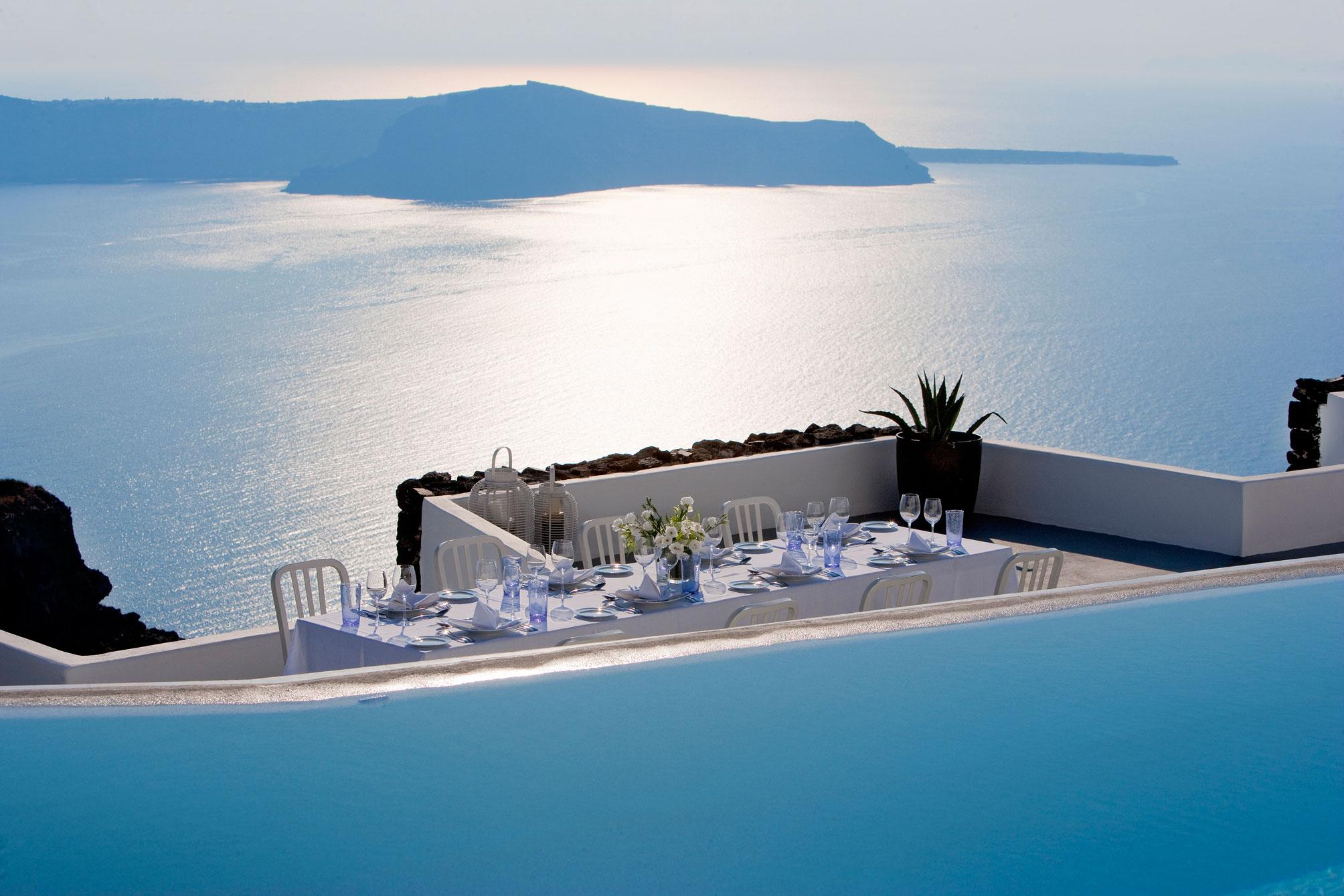 Grace-Santorini-Hotel-01-2