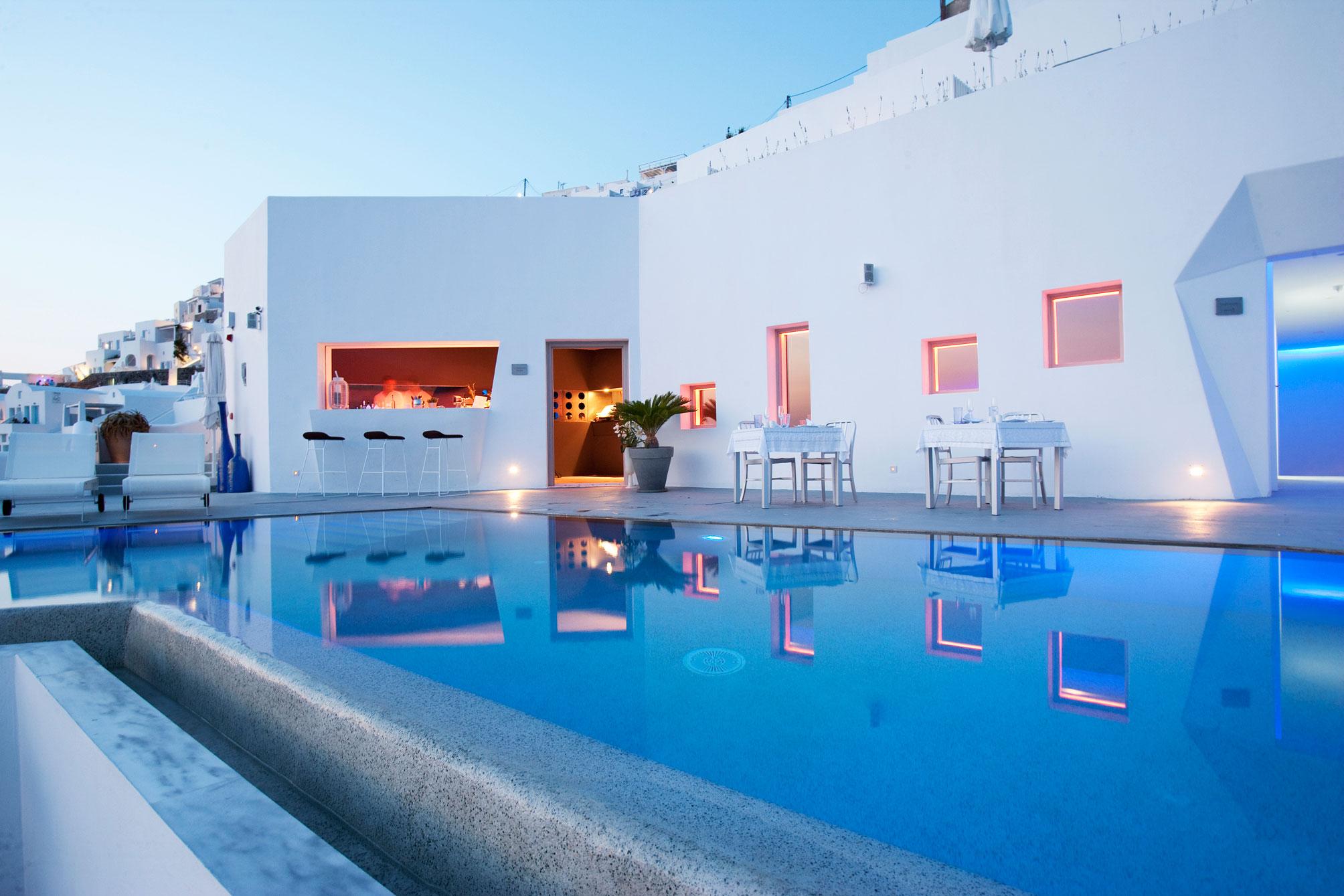 Grace-Santorini-Hotel-14