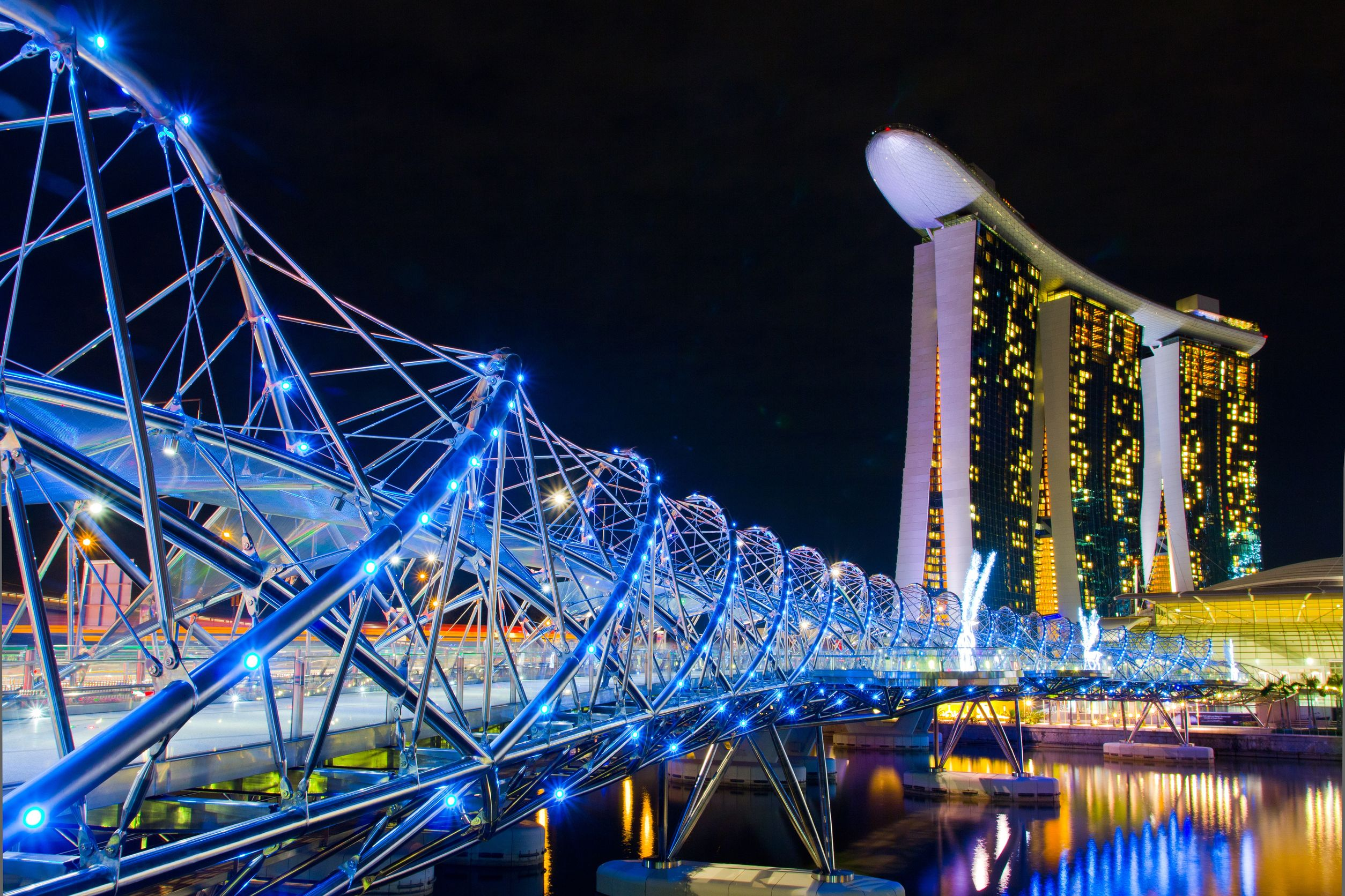 Top 15 world s fantastic bridges architecture design for Design bridge singapore