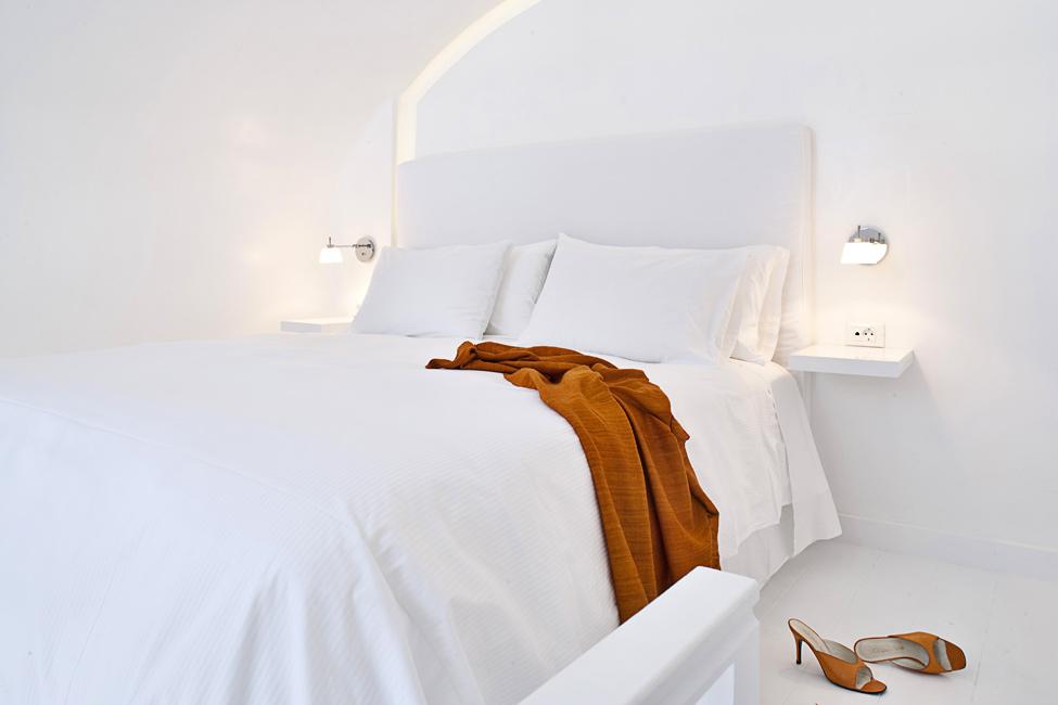 Katikies-Hotels-in-Oia-28