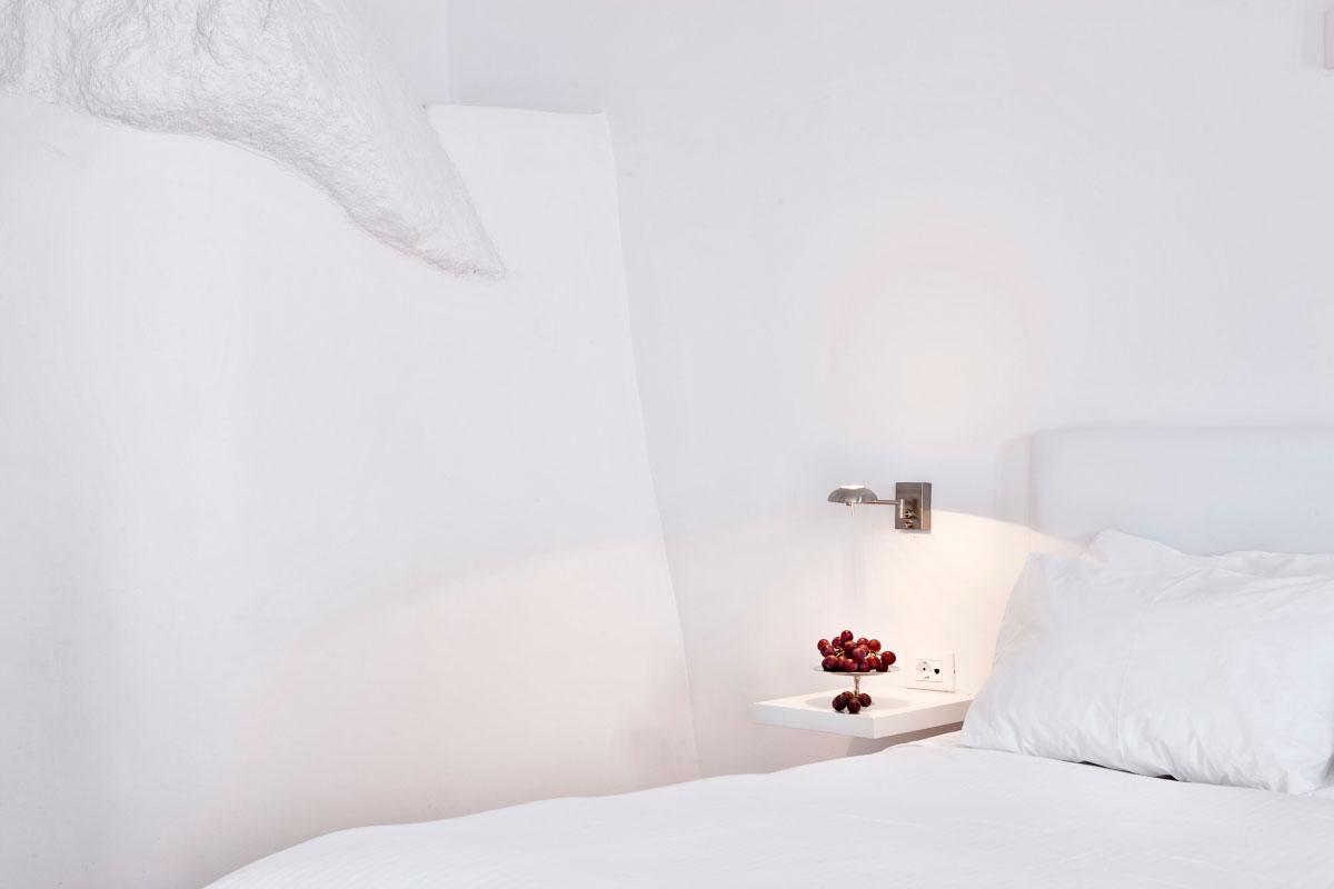 Katikies-Hotels-in-Oia-31