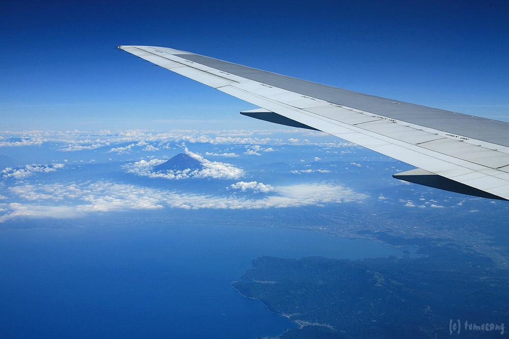 Seeing the World Through an Airplane Window 14