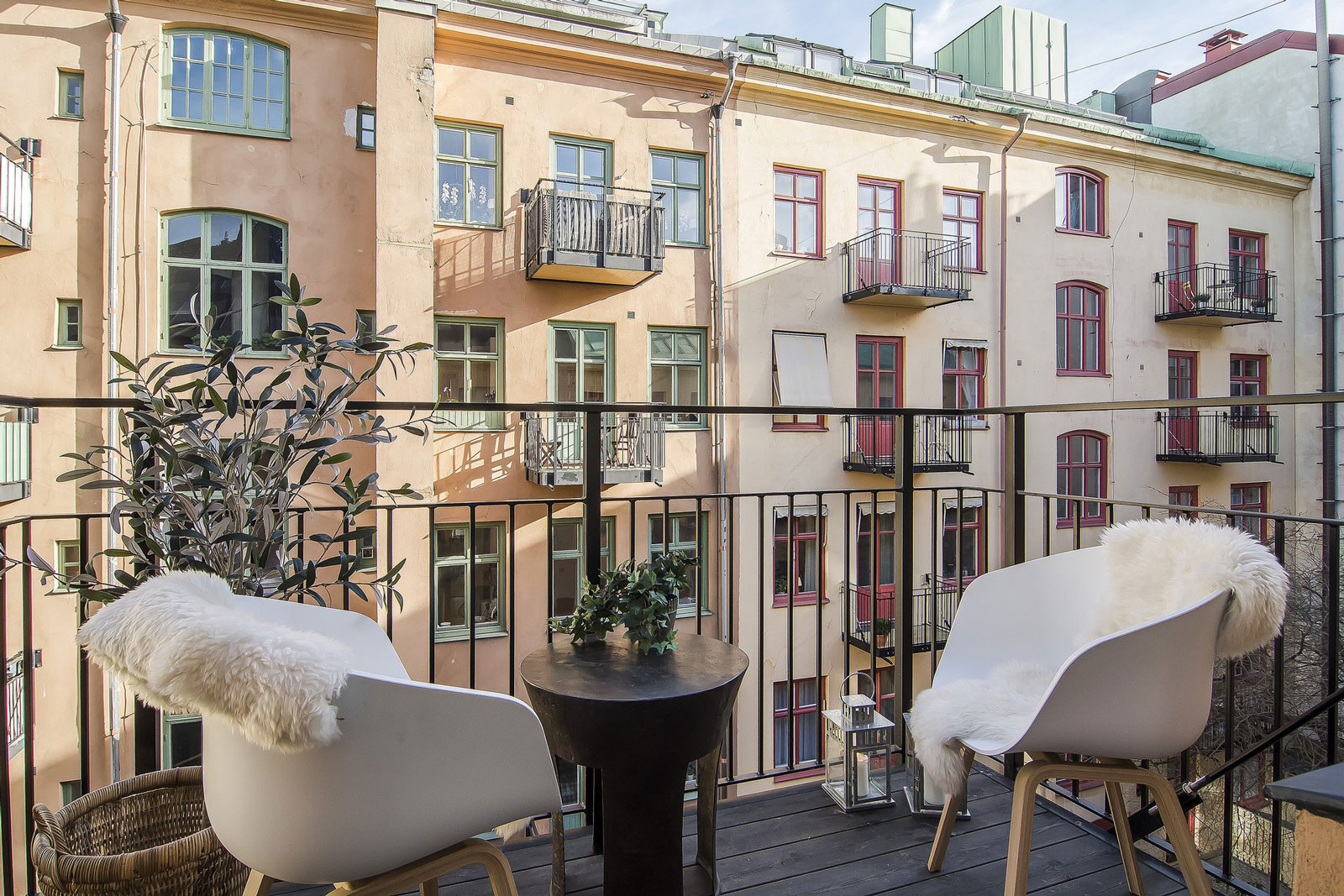 Small-yet-Stylish-Flat-in-Stockholm-08