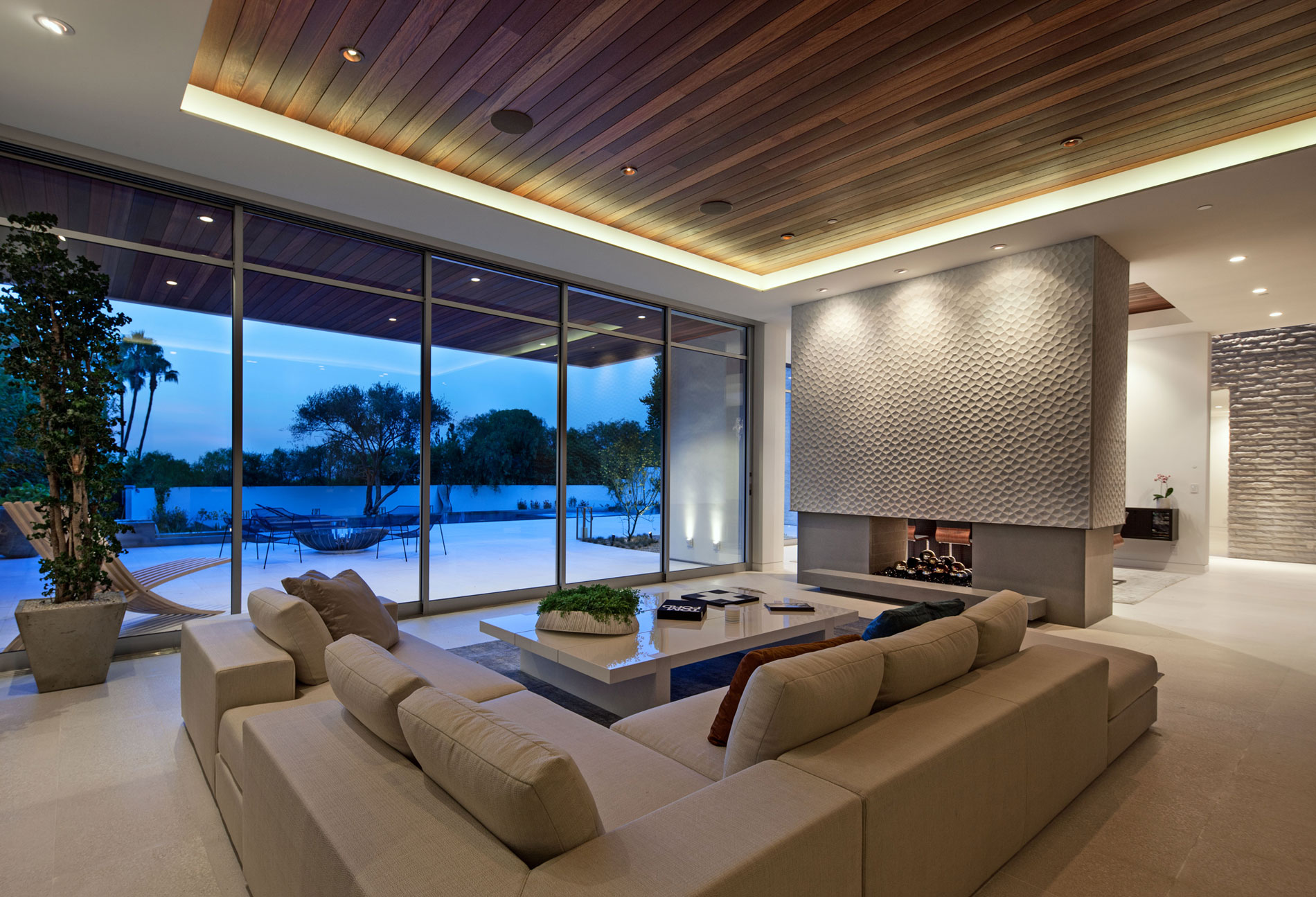 Stunning-Estate-on-Sunset-Strip-27