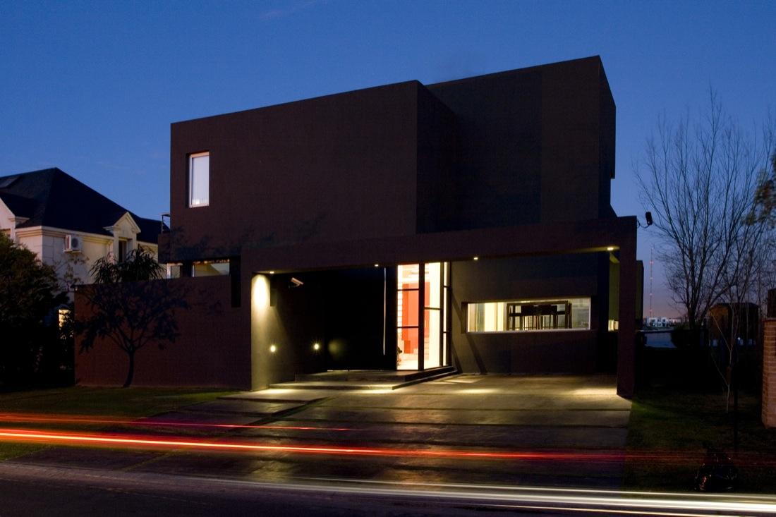 The-Black-House-00-6