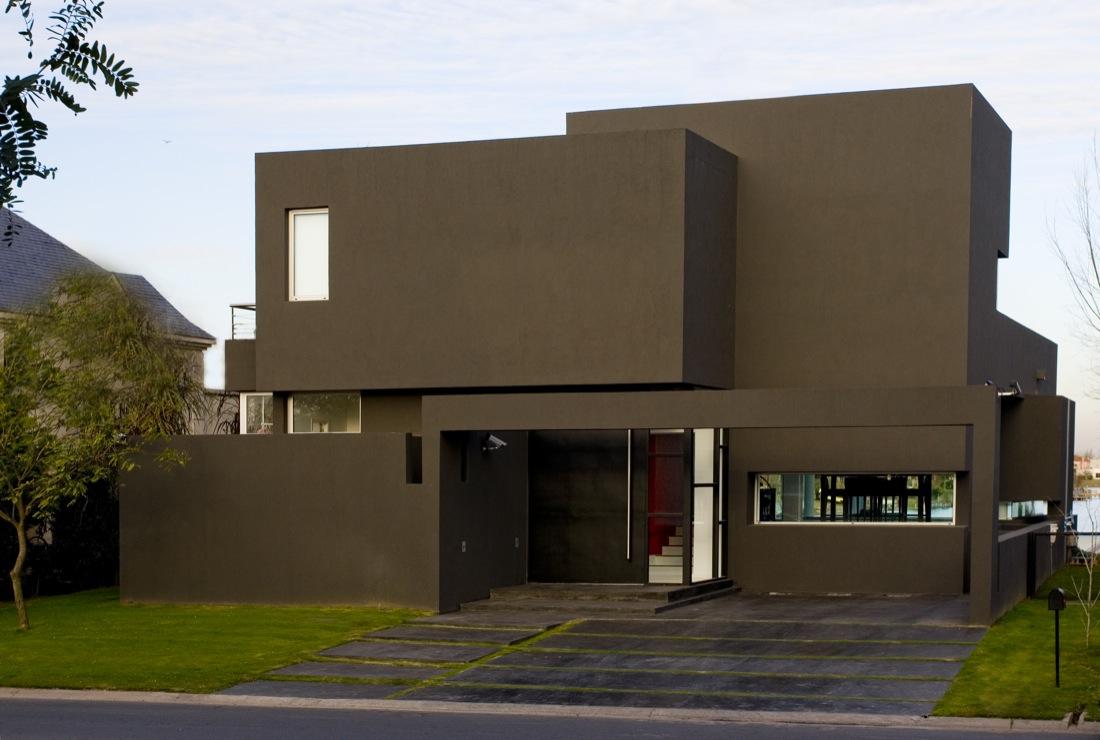 The-Black-House-00