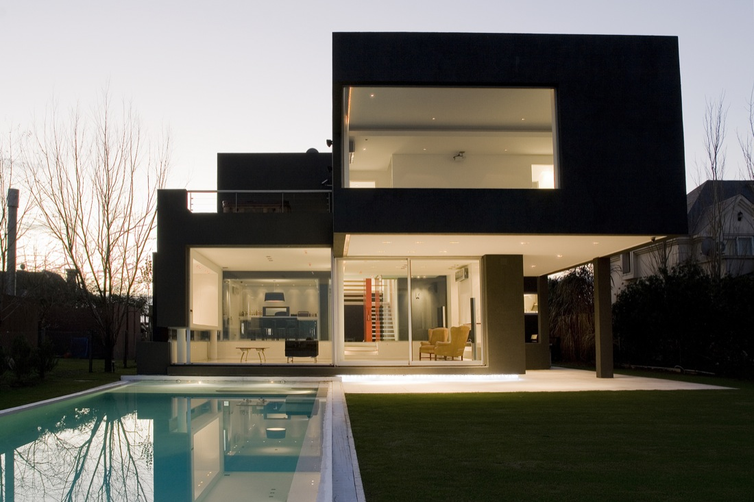 The Black House by Andres Remy Arquitectos | Architecture & Design