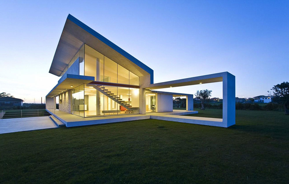 House made of glass and concrete in sicily by architrend for Architettura case