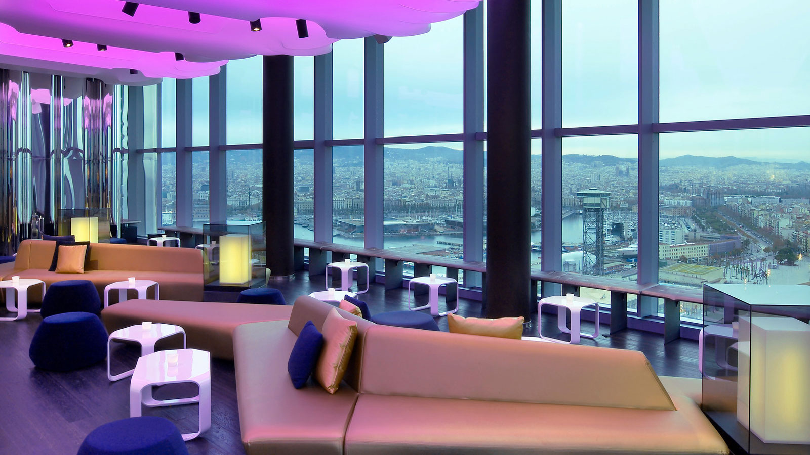 The w hotel in barcelona by ricardo bofill for Design hotel w barcelona