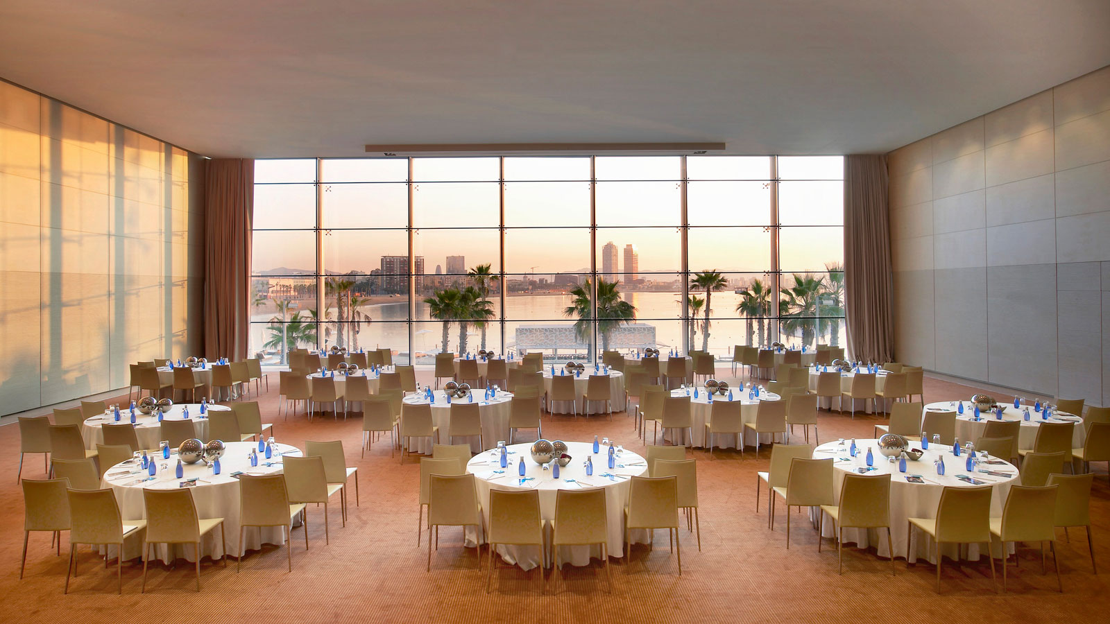 The w hotel in barcelona by ricardo bofill architecture for Kitchen gadgets barcelona