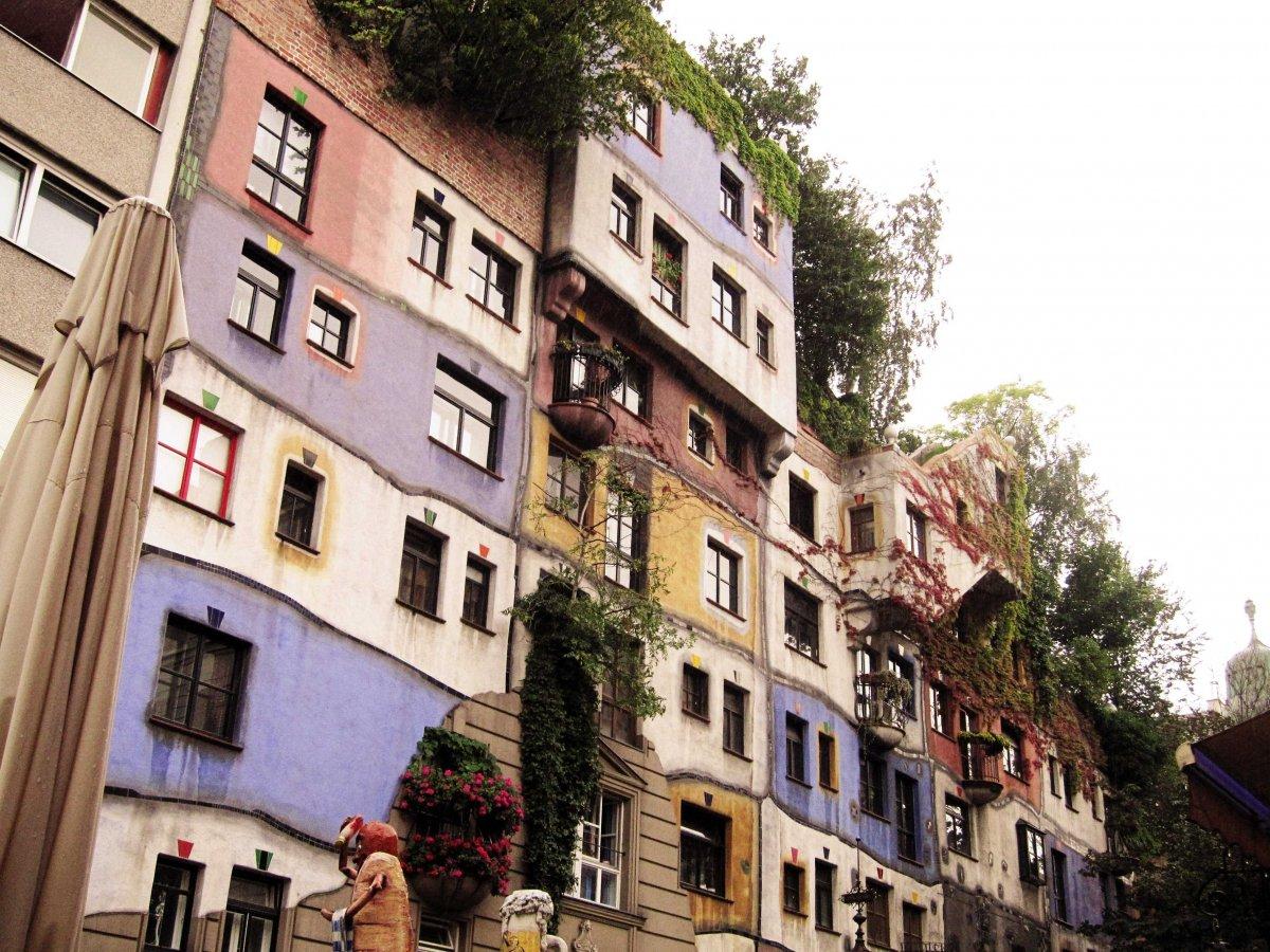 12-Hundertwasser-House