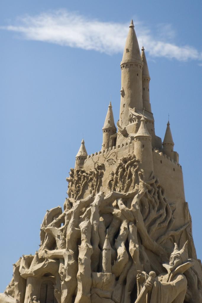 15-Sleeping-Beauty-Castle