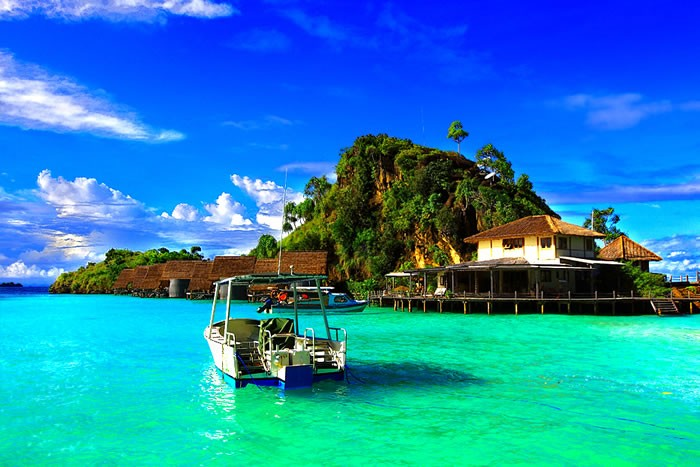 18-Clearest-Waters-In-The-World-To-Swim-In-Before-You-Die-Part-2-Readers-Choice