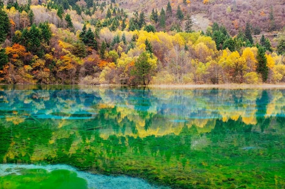 22-Five-Flower-Lake-Sichuan-China