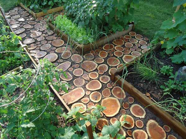 25-Lovely-DIY-Garden-Pathway-Ideas-07