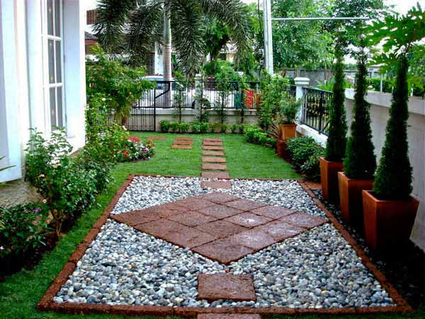 25 lovely diy garden pathway ideas architecture design for Homemade garden decorations