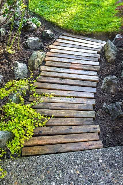 25-Lovely-DIY-Garden-Pathway-Ideas-11