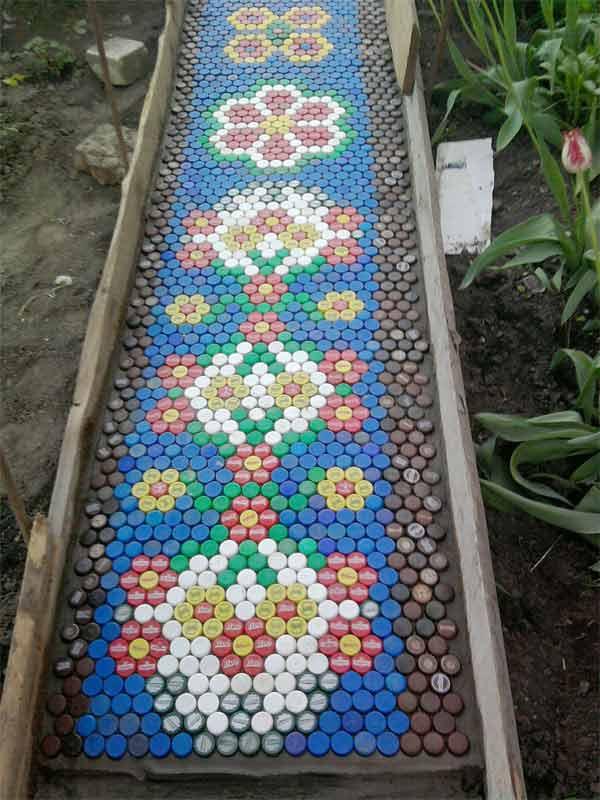 25-Lovely-DIY-Garden-Pathway-Ideas-22