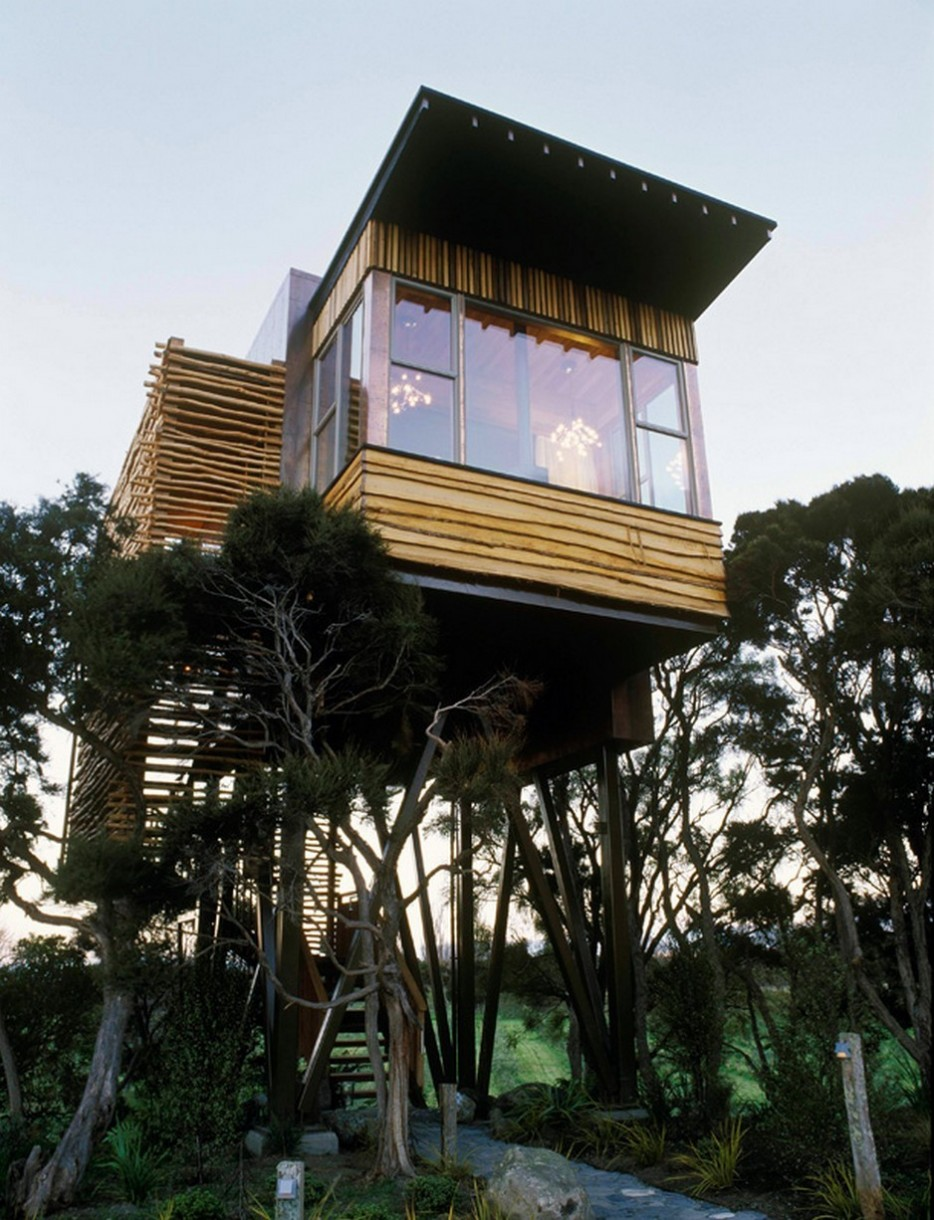 These 32 tree houses are more whimsical than your wildest for Architecture and design tree house