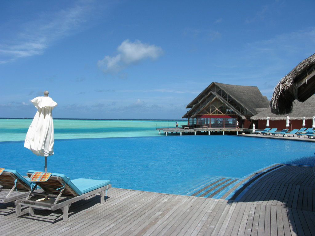 Anantara-Dhigu-Resort-02