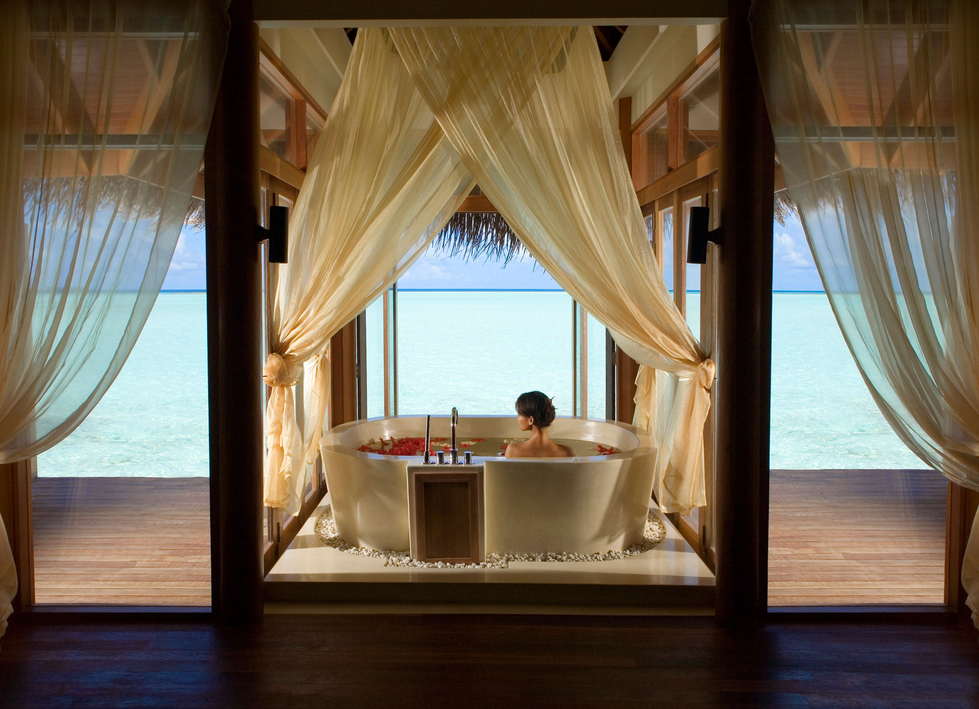 Anantara-Dhigu-Resort-11